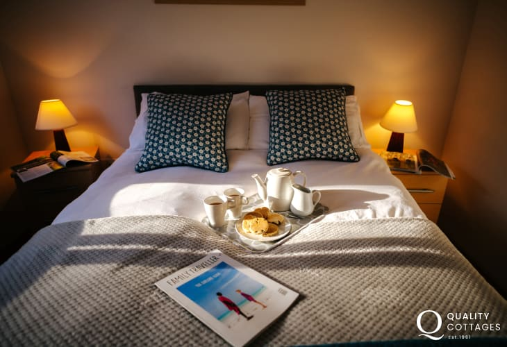 Dog friendly cottage holiday Gower-double bedroom