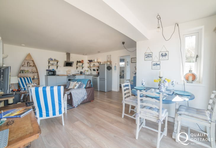 Cottage for 2 Llyn Peninsula - dining