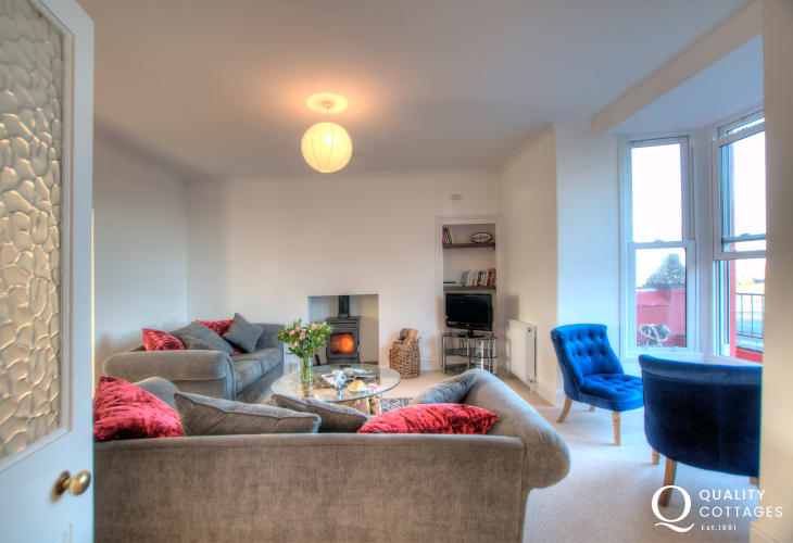 Ceredigion coastal cottage  - lounge