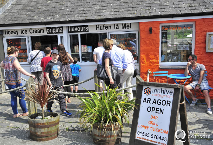 Award winning 'Hive on the Quay' for delicious home made ice creams