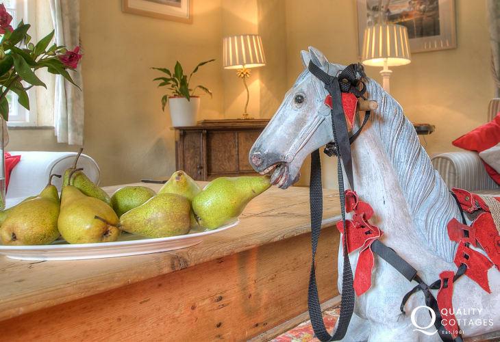 Pembrokeshire holiday cottage sleeps 6  - sitting room