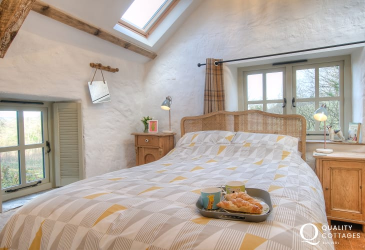 Cardigan Bay holiday cottage - double bedroom