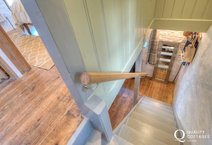 Ceredigion pet friendly cottage - landing