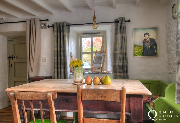 Rural holiday cottage Wales - dining room