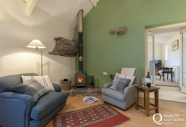 St Davids traditional Welsh holiday cottage - snug with wood burning stove