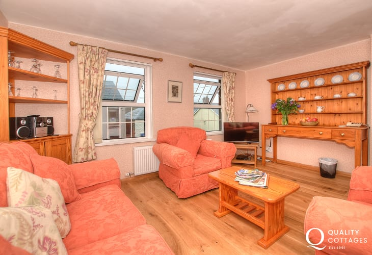 Pembrokeshire holiday apartment - lounge