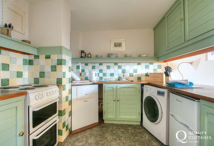 St Davids holiday apartment - kitchen