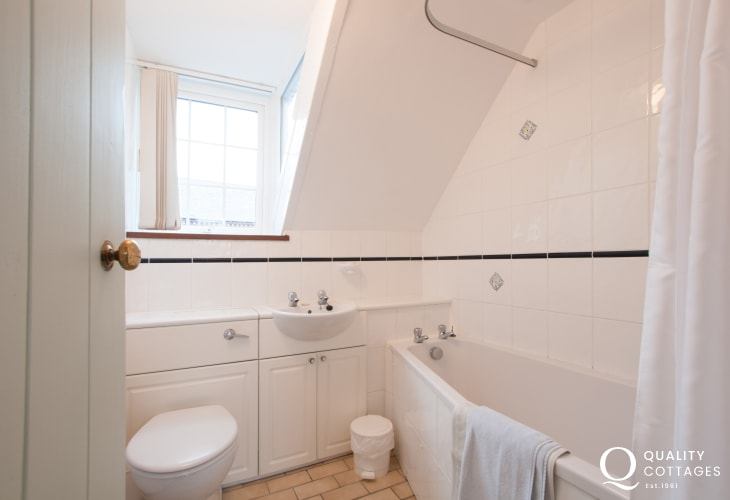 Apartment St Davids - bathroom