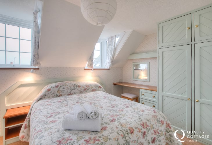 St Davids self catering apartment - double bedroom