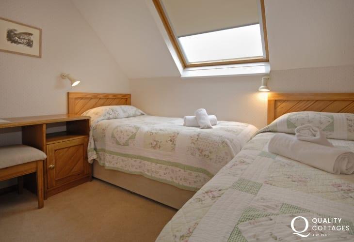 St Davids holiday flat sleeping 5 - twin