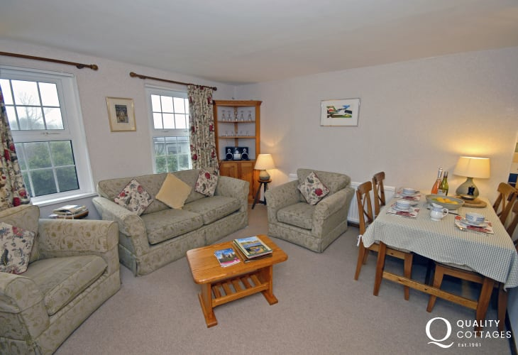 St Davids holiday apartment - open plan living room