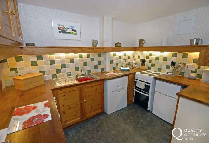 Self catering St Davids - kitchen