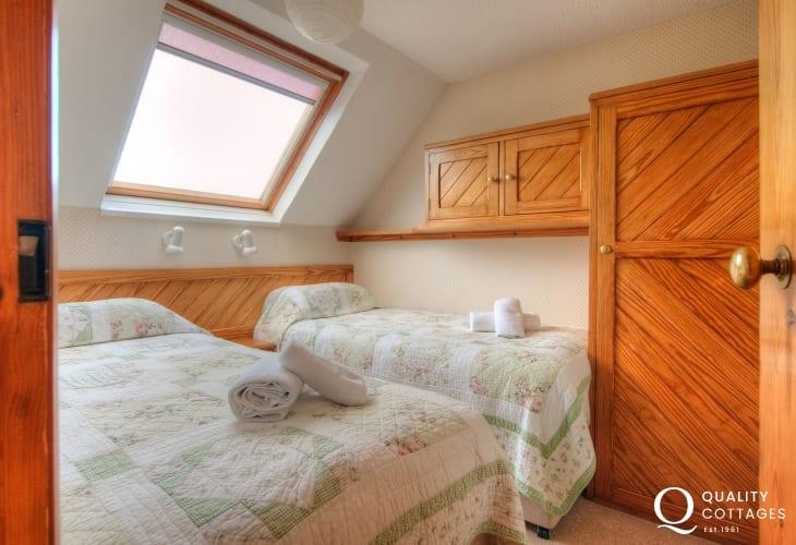 St Davids, Pembrokeshire self catering - twin bedroom