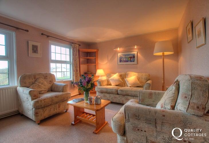 St Davids holiday apartment - lounge