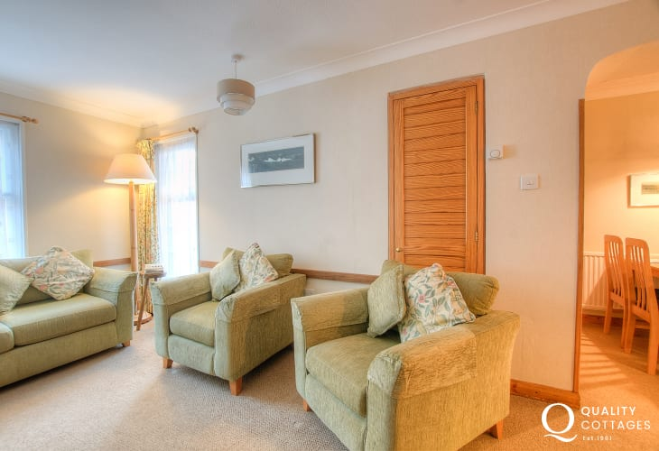 St Davids self catering apartment - lounge