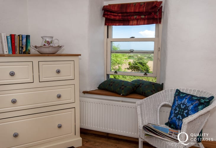 Ffynnoneddewi Farmhouse rural retreat