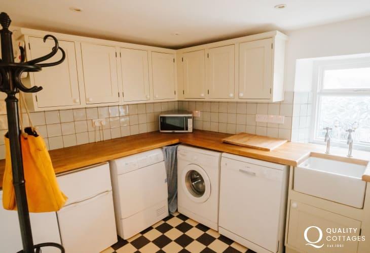 Utility room Belfast sink appliances