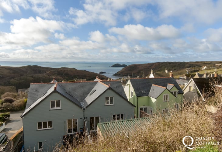 Solva - modern holiday home with panoramic sea views over St Brides Bay