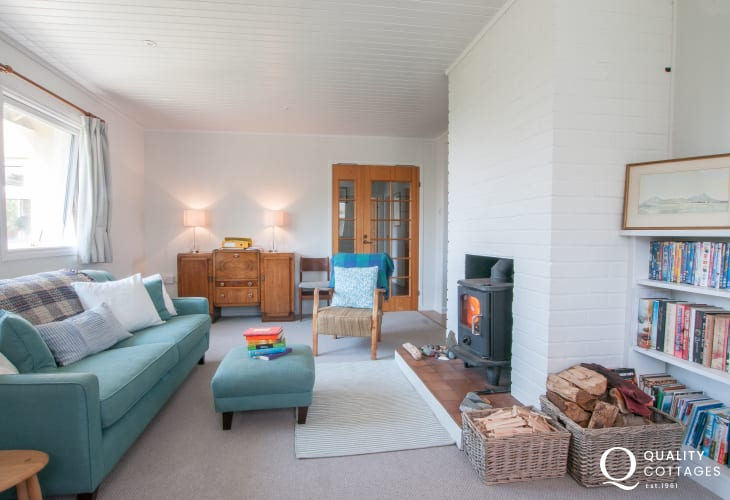 Pet free Llyn peninsula holiday cottage - lounge