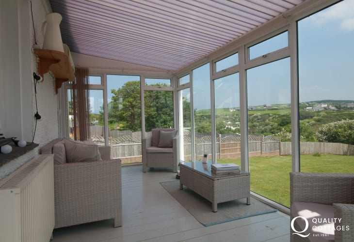 Aberdaron holiday cottage sleeping 6  - conservatory