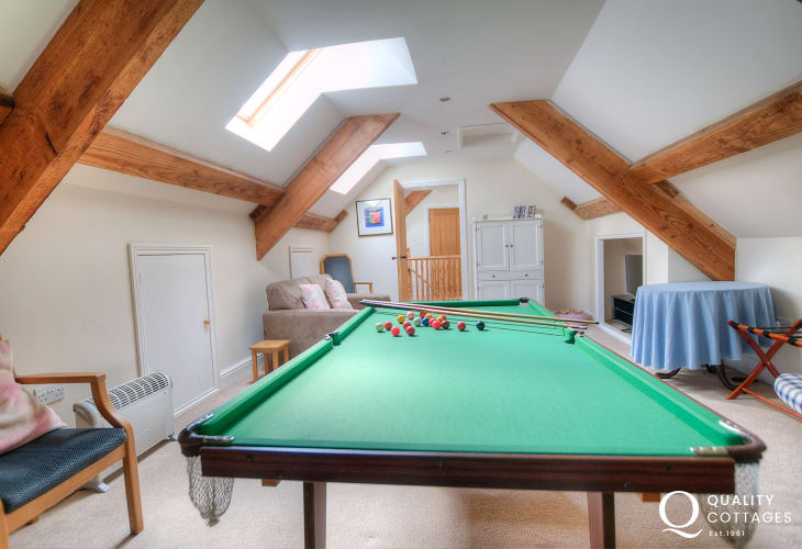 Large holiday house Hay on Wye - games room