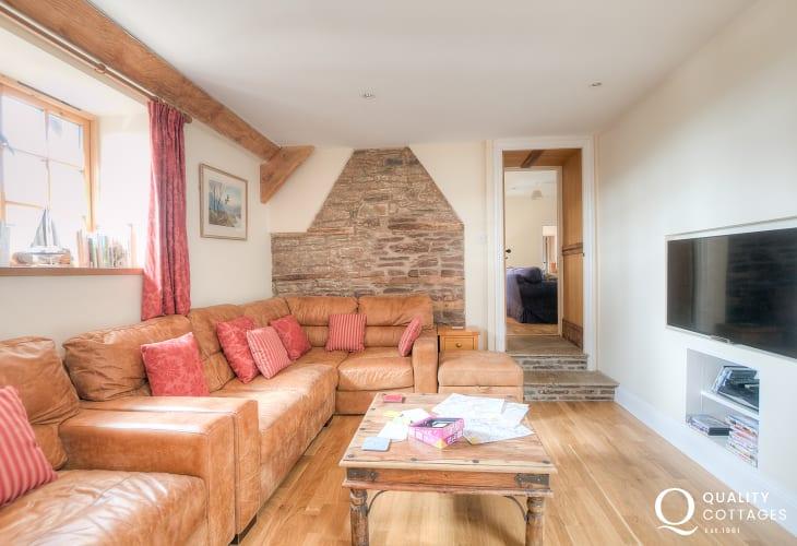 Hay on Wye holiday cottage sleeping 8 - sitting room