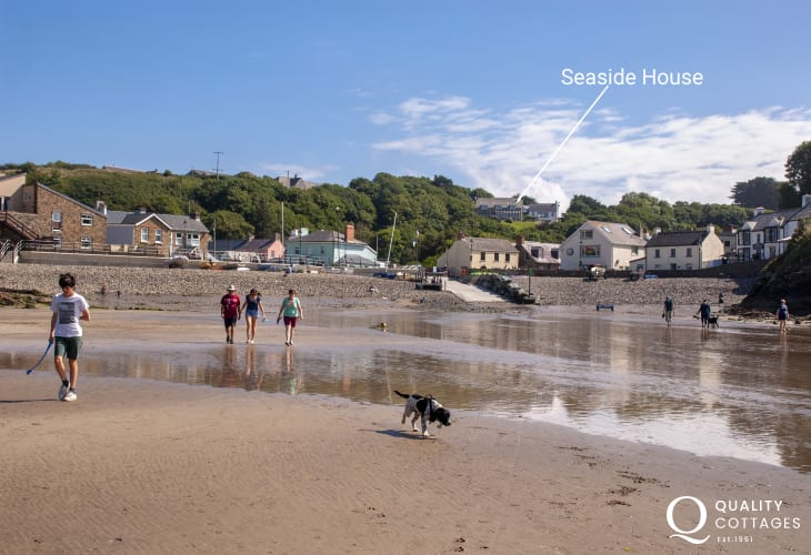 Pet friendly holiday home in Little Haven overlooking the beach