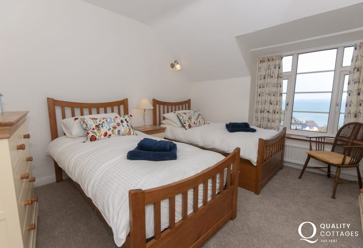 Little Haven house sleeping 10 - twin with sea views
