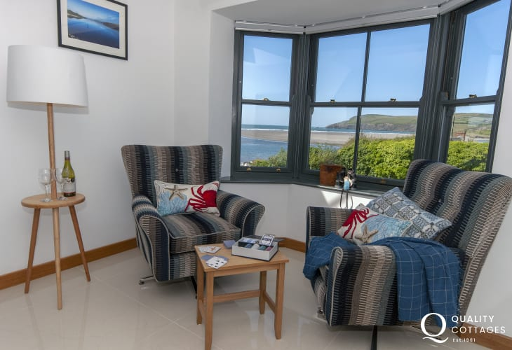 Newport holiday home  with stunning coastal views over the Parrog Beach