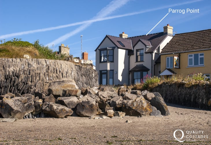 A spectacular beachside holiday home over looking the Parrog Beach in Newport, Pembrokeshire
