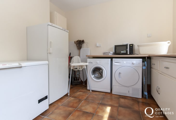 Family holiday home on Gower with large utility room