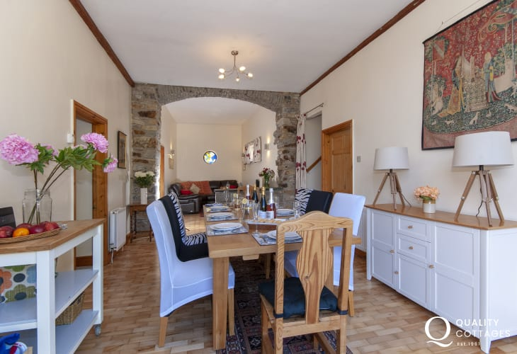 Oxwich Bay holiday home - luxury dining room with snug