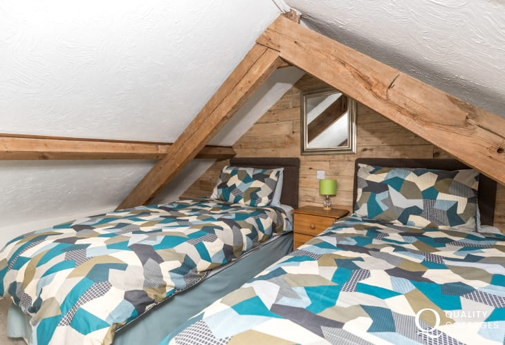 Twin bedroom bedside cabinet lamp