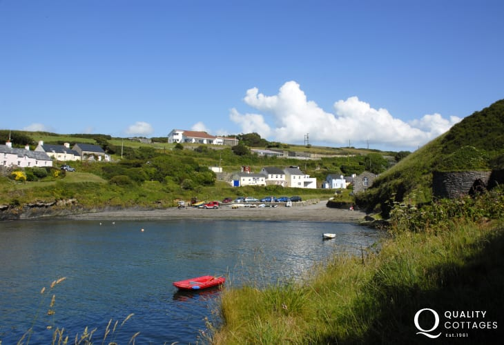 Abercastle is a popular 'locals' beach good for for swimming, diving, kayaking and fishing