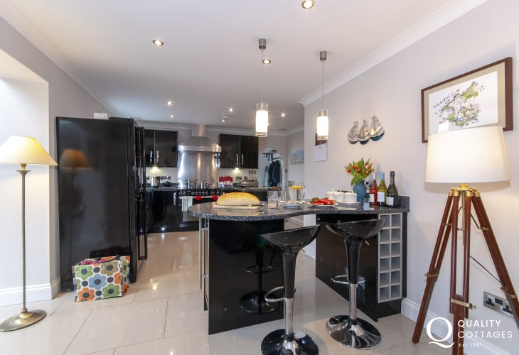 Self catering coastal cottage - luxury open plan kitchen/living room
