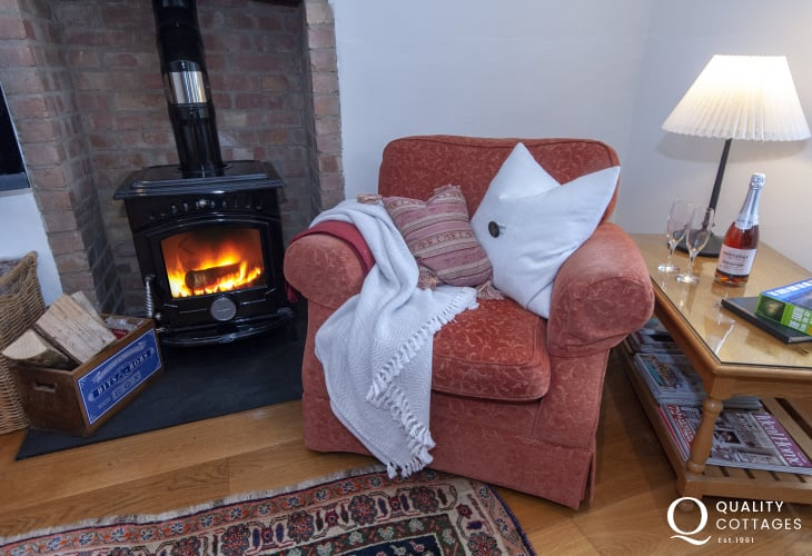 Cosy Pembrokeshire cottage with wood burner