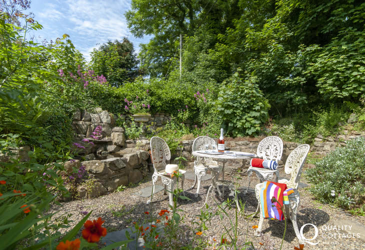 Pembrokeshire holiday cottage with rear walled gardens