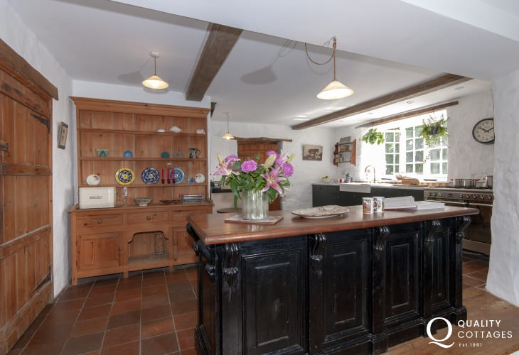 Self catering family home near Tenby - large country style kitchen with Aga