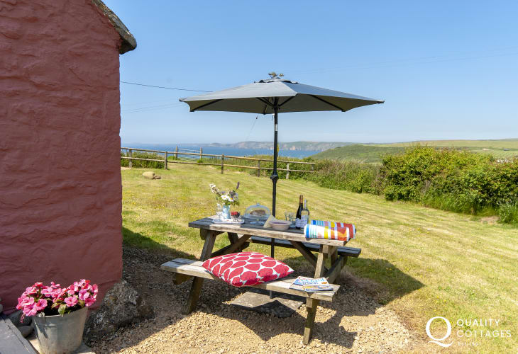 Newgale holiday cottage - gardens with sea and coastal views
