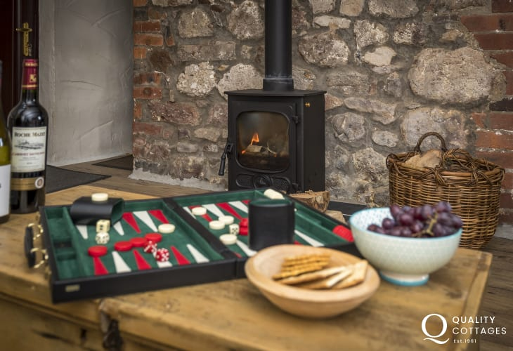 Welsh cottage holiday sleeps 4 - lounge log burner