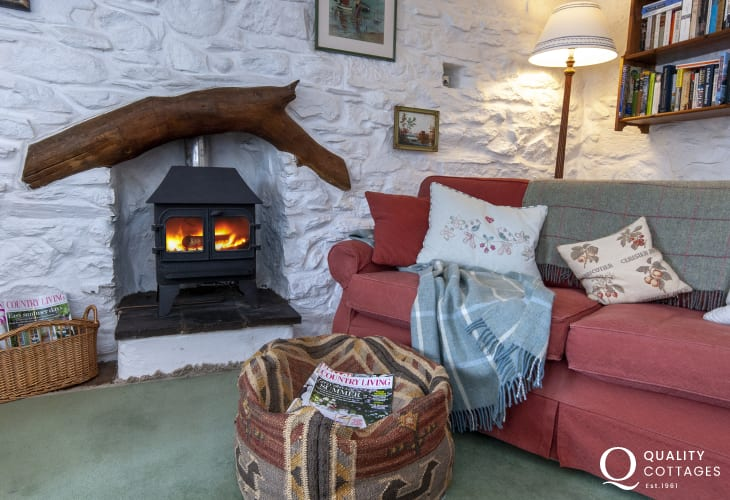 Newport Sands cosy cottage with wifi and wood-burner