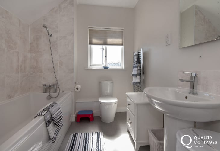 St Florence holiday home - family bath room with shower over bath