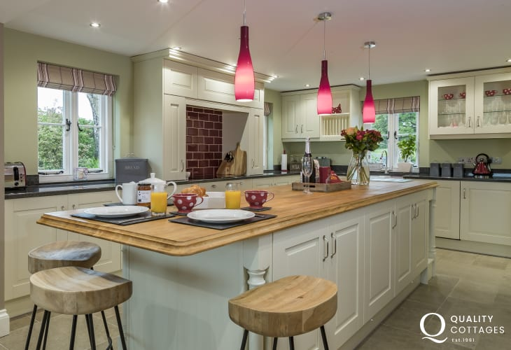 Luxury large holiday cottage in Newport, Pembrokeshire - farmhouse kitchen with large island. Sleeps 12 people.