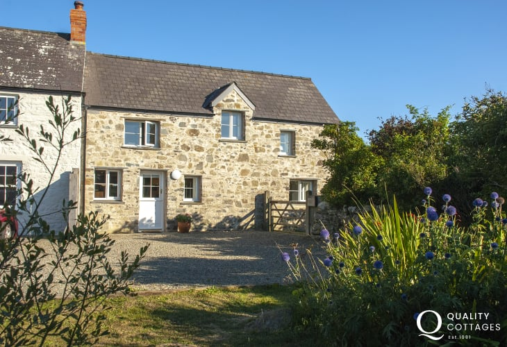 Pembrokeshire cottage near St Davids and Whitesands Bay