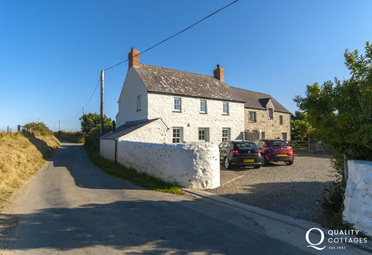 Carn Llidi holiday cottages near St Davids