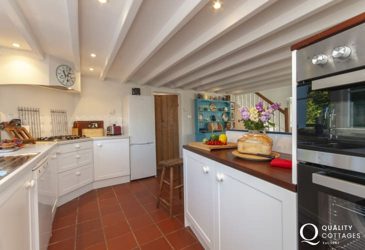Holiday cottage near Whitesands, Pembrokeshire  - open plan kitchen/diner