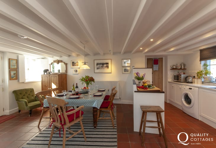 Holiday cottage near Whitesands, Pembrokeshire  - spacious open plan kitchen/diner