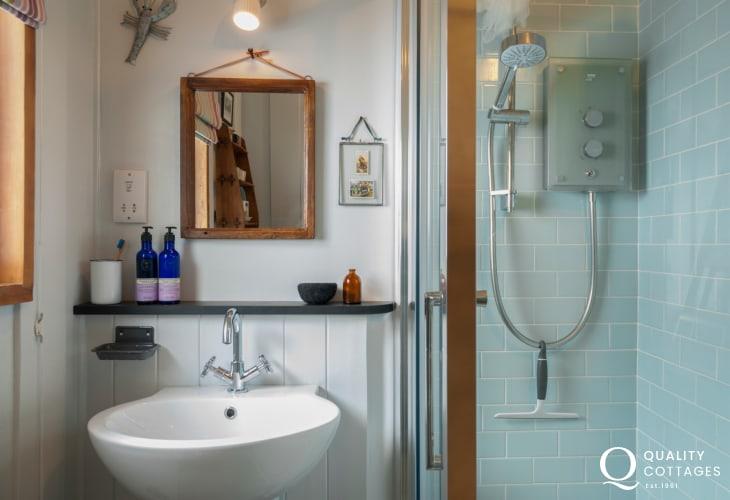 Kestrel Bathroom 87352