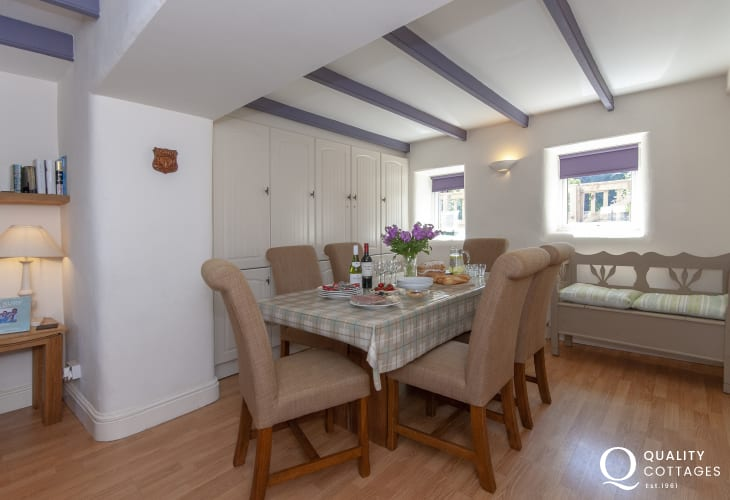 Abercastle holiday home - cosy snug/dining room with seating for 8
