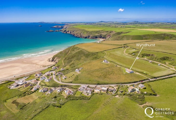 North Pembrokeshire holiday home with panoramic sea views over Newgale Sands
